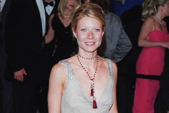 Gwyneth Paltrowová v šatech Calvin Klein (2000)