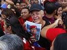 Smutek, slzy, zděšení. Co si Venezuela bez svého dlouholetého prezidenta počne?