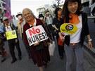 Japonci požadují úplné odstoupení od jaderné energie.