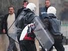 Násilné protesty ve Skopji. Zranění utrpělo nejméně 22 lidí.