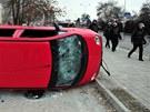 Násilné protesty si vyžádaly dvě desítky zraněných.