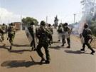 Příznivci neúspěšného kandidáta o post prezidenta Raila Odingy vyšli do ulic.