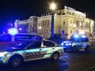Řidič na Mánesově mostě v Praze narazil do chodců (5. března 2013)
