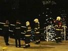 Záchranná akce po dopravní nehodě na Mánesově mostu (5. března 2013)