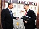 Miroslav Antl a Tomio Okamura před jednáním Senátu, na kterém by se mělo
