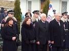 Oba prezidentsk� p�ry, kon��c� Klausovi i nastupuj�c� Zemanovi, uctili pam�tku