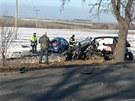 Na silnici do Řevničova se čelně srazila dvě protijedoucí auta. Nehoda si