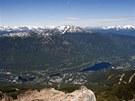 Pohled na �dol� a Whistler z vrcholu stejnojmenn� hory