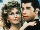 Olivia Newton-Johnov� a John Travolta ve filmu Pom�da (1978)