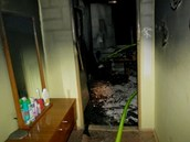 Prostory bytu v sedmnáctipatrovém věžáku, kde hořelo. (4.3.2013)