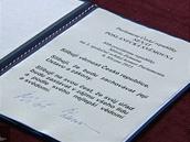 Podpis Milo�e Zemana na prezidentsk�m slibu