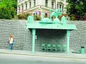Poněkud bizarní autobusová zastávka sochaře a výtvarníka Davida Černého poblíž