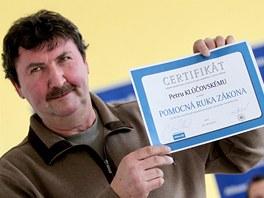 Petr Kl��ovsk� z Brna pron�sledoval a dopadl zlod�je. V �ter� za to dostal