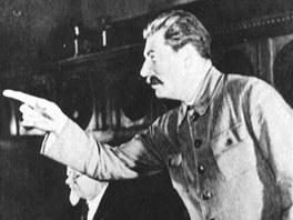 Nejprve Stalin zlikvidoval star� bol�eviky, pot� za�al ��tovat se v�emi.