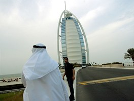 Šejkové, magnáti, celebrity, byznysmeni. Do Burj Al Arab míří jen nejbohatši