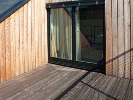 Velmi využívaná je horní terasa poskytující soukromí.