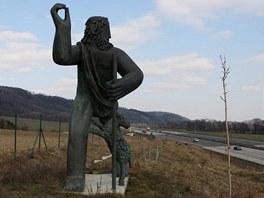 Socha Pastýře u dálnice nedaleko Lipníku nad Bečvou.