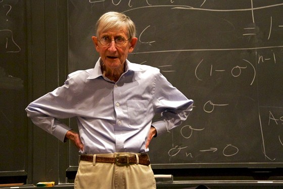 Prof. Freeman Dyson (1923)  - britský teoretický fyzik a matematik žijící v