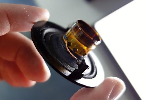Sony začalo prémiové mikrosystémy a 4K televizory osazovat reproduktory, které