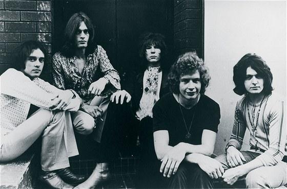 Skupina Yes v roce 1969: zleva Peter Banks (kytara), Tony Kaye (varhany), Chris