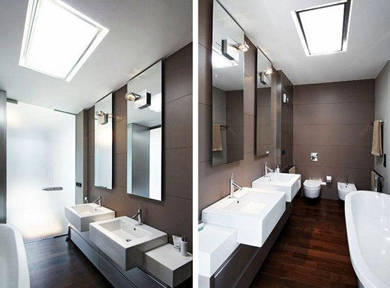Koupelna 4 ve stejném domě patří rodičům, je prosvětlena skleněnými dveřmi z