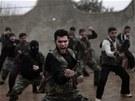 Cvičení syrských povstalců v provincii Idlíb