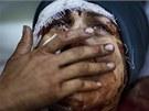 Syrská žena z provincie Idlíb poté, co se dozvěděla, že její manžel a děti