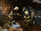 Tragická nehoda felicie, která v Nejdku skončila v řece Rolavě.