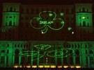 Rumunský budova parlamentu nazeleno? Proč ne, řekli si místní.