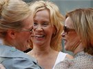 �lenky skupiny ABBA Agnetha F�ltskogov� a Anni-Frida Reussov� (vpravo) s