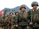 Severokorejští vojáci při armádním cvičení na neupřesněném místě v KLDR. (11.