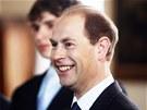 Princ Edward se se�el v �ern�nsk�m pal�ci s �esk�mi studenty, kte�� �sp�n�