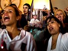 """V argentinském Buenos Aires se slavilo vítězství """"domácího"""" papeže Bergoglia."""