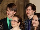 Princ Edward diskutuje s českými studenty v Černínském paláci. (13. 3. 2013)