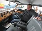Aleš Wimmer a nový skvost v jeho technickém muzeu v Telči - vůz Rolls-Royce