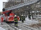 V Olomouci ořezávali hasiči 19. března ráno polámané větve stromů, které...