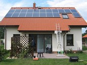 Typick&#225; instalace na stee rodinn&#233;ho domu (5 kWp)