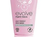 Pleťová maska Light Perfect AHA Mask, Evolve, 529 korun (značka má certifikaci Ecocert a Vegan)