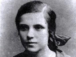 Básnířka Larisa Genijuš v gymnaziálních letech