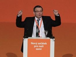 Hřímající Lubomír Zaorálek během svého projevu na sjezdu ČSSD.
