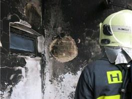 Požár plastového nábytku na jednom z balkonů třípatrového bytového domu v