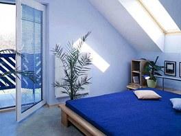 Naopak chladivé barvy mohou zmírnit pocit horka v místnostech příliš přehřívaných, obrácených k západu.
