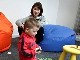 Baby Office: Základní cena za pracovní místo je 50 Kč, hodina hlídání v