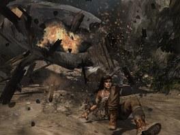 Adrenalin na maximu: Lara uniká právě zřícenému letadlu.