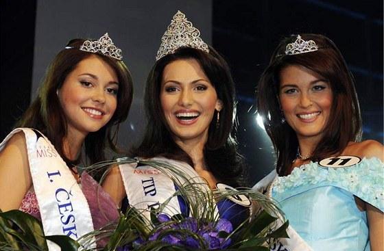 První vicemiss Hana Svobodová, Česká Miss 2008 Eliška Bučková a druhá vicemiss...