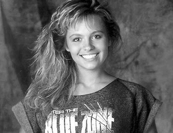 Mladá Pamela Andersonová v reklamě na nápoj