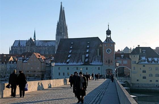 Kamenný most v Řezně měl v 19. století namále. Radní ho chtěli zbourat.
