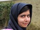Malalaj nastoupila do dívčí školy v Birminghamu jen několik týdnů po propuštění z nemocnice (19. března 2012)