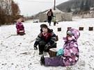 Děti v lesní školce Na dvorečku v Řevnicích.