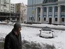 Kyjev zažil o ulynulém víkendu přívaly sněhu.